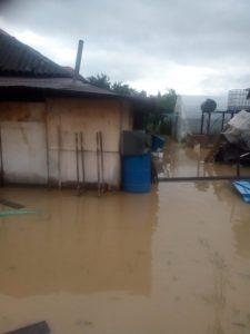 Lugoj Expres Inundații în zona Făgetului. Un drum comunal este închis Răchita precipitații abundente pompieri inundații Făget evacuarea apelor drum închis apă