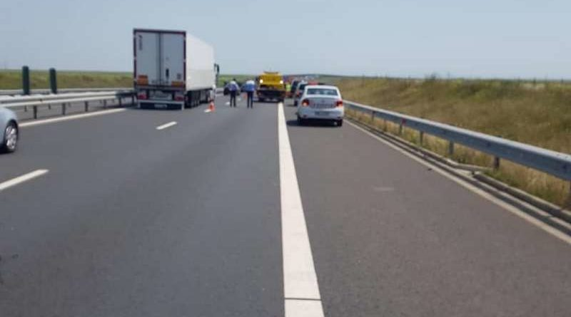 Lugoj Expres Carambol, pe autostrada A1! O tânără a fost rănită tânără rănită tamponare în lanț circulație carambol autostrada A1 accident A1