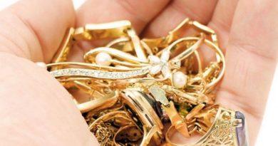 Lugoj Expres Escroacă prinsă în flagrant! Oferea, la schimb, bijuterii din aur fals prejudiciu Polițiști Lugoj înșelăciune individă flagrant escroacă dosar penal bijuterii aur fals arestare preventivă