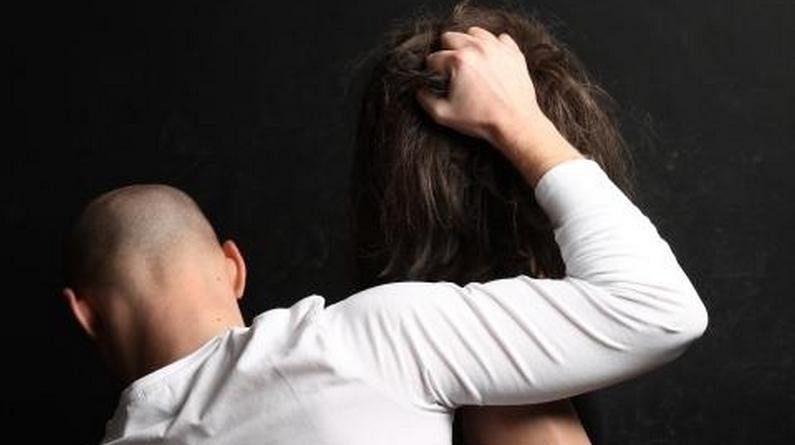 Lugoj Expres O femeie din Lugoj, sechestrată de concubin, în Spania victimă Spania Polițiști Margina lugojeancă sechestrată lipsire de libertate investigații criminale femeie abuzată