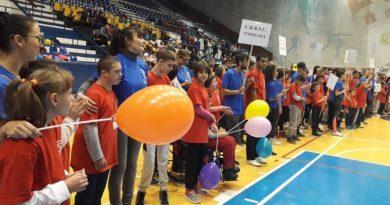 Lugoj Expres ȘTIU CĂ POT! Manifestare sportivă pentru copiii cu dizabilități știu că pot protecția copilului manifestare sportivă dizabilități DGASPC Timiș copii competiție centre de ocrotire