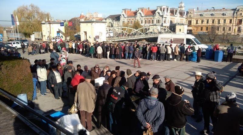 Lugoj Expres Fasole cu ciolan și vin fiert pentru lugojeni, la 30 de ani de la Revoluție vin revoluționari revoluție primaria Lugoj fasole decembroie 1989 ciolan