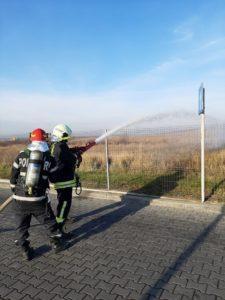 Lugoj Expres Pompierii lugojeni, intervenție la o stație de alimentare cu carburanți de pe centura Lugojului stație pregătire pompieri Lugoj ISU Timiș intervenție incendiu exercițiu centura Lugojului alimentare carburanți