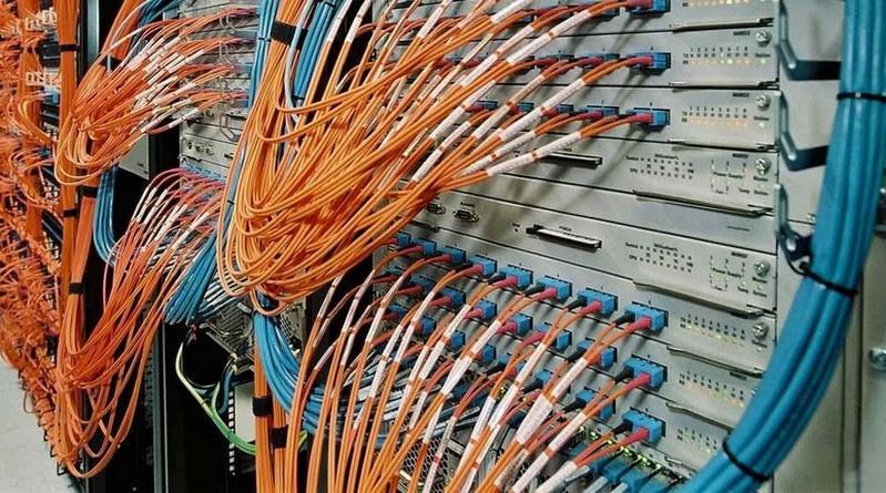 Lugoj Expres La Lugoj se construiește încă o rețea fixă de telecomunicații prin fibră optică telecomunicații Tapia rețea fixă Orange România Măguri Lugoj lucrări internet fibră optică construire autorizație