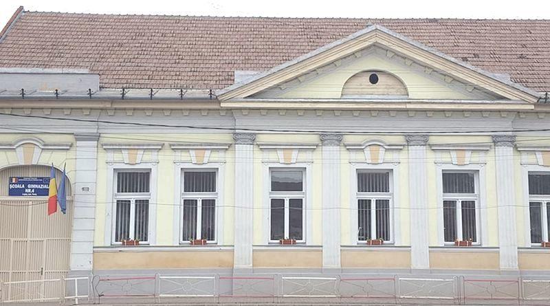 Lugoj Expres Școala Gimnazială Nr. 4 Lugoj a obținut titlul de Școală ECO Timișoara Școala Gimnazială nr. 4 Lugoj Școală ECO protejarea mediului Olimpiada Mediului Marea Voluntariadă Națională de Mediu a Școlarilor Lugoj educație acreditare