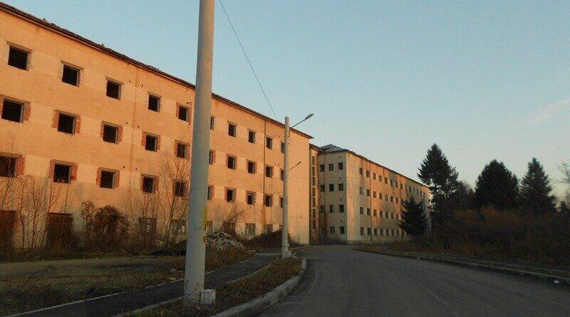 Lugoj Expres Primăria Lugoj a reintrat în posesia terenului de la MApN. Trebuie să construiască 150 de locuințe ANL, în 5 ani teren protocol primăria lugoj predare posesie municipiul Lugoj Ministerul Apărării Lugoj locuințe ANL locuințe imobil