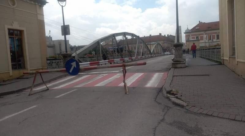 Lugoj Expres Lugojul revine la normalitate! Se redeschide circulația autovehiculelor pe Podul de Fier Podul de Fier perioada critică pericol mulțumiri Lugoj inundații Francisc Boldea circulație avertizare hidrologică