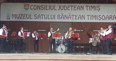 Lugoj Expres Cinci fanfare din Banat, în festival, la Muzeul Satului Bănățean Seven`s TM Show Band ProAmicitia Muzeul Satului Bănățean festivalul fanfarelor festival fanfare Fanfara din Mercina Fanfara din Giroc Banater Musikanten