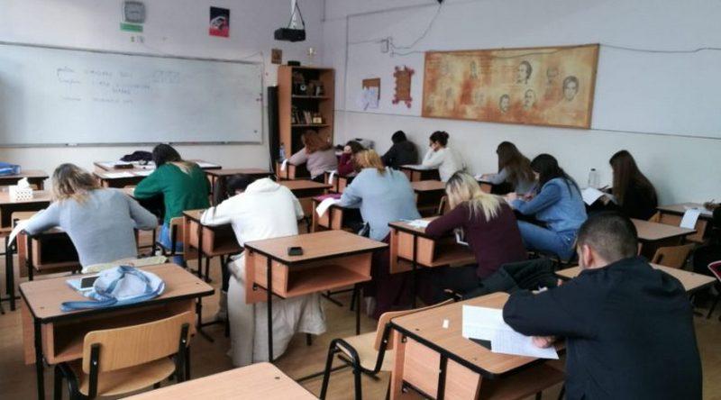 Lugoj Expres Municipalitatea lugojeană vrea să acorde burse elevilor din învățământul preuniversitar unități de învățământ preuniversitar proiect Lugoj hotărâre burse bursa de studii bursa de performanță bursa de merit bursa de ajutor social